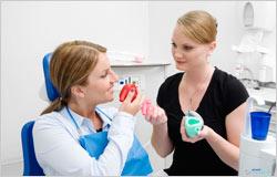 Entspannte Zahnarzt-Behandlung für Angstpatienten