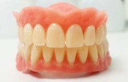 Wir bieten Prothesenreinigung für herausnehmbaren Zahnersatz