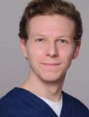 Zahnarzt Helge Rietz vom MVZ Dentologicum Hamburg
