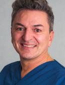 Carlos Amato ist Zahnarzt im MVZ Dentologicum